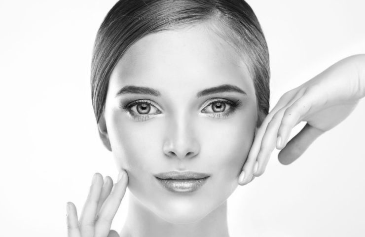 ARE YOU TOO YOUNG TO TAKE ANTI-AGING TREATMENTS ? - Frame